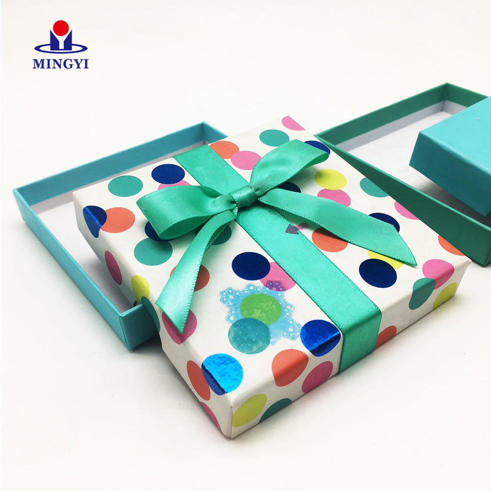 New desogn customized small cute candy gift box for kids