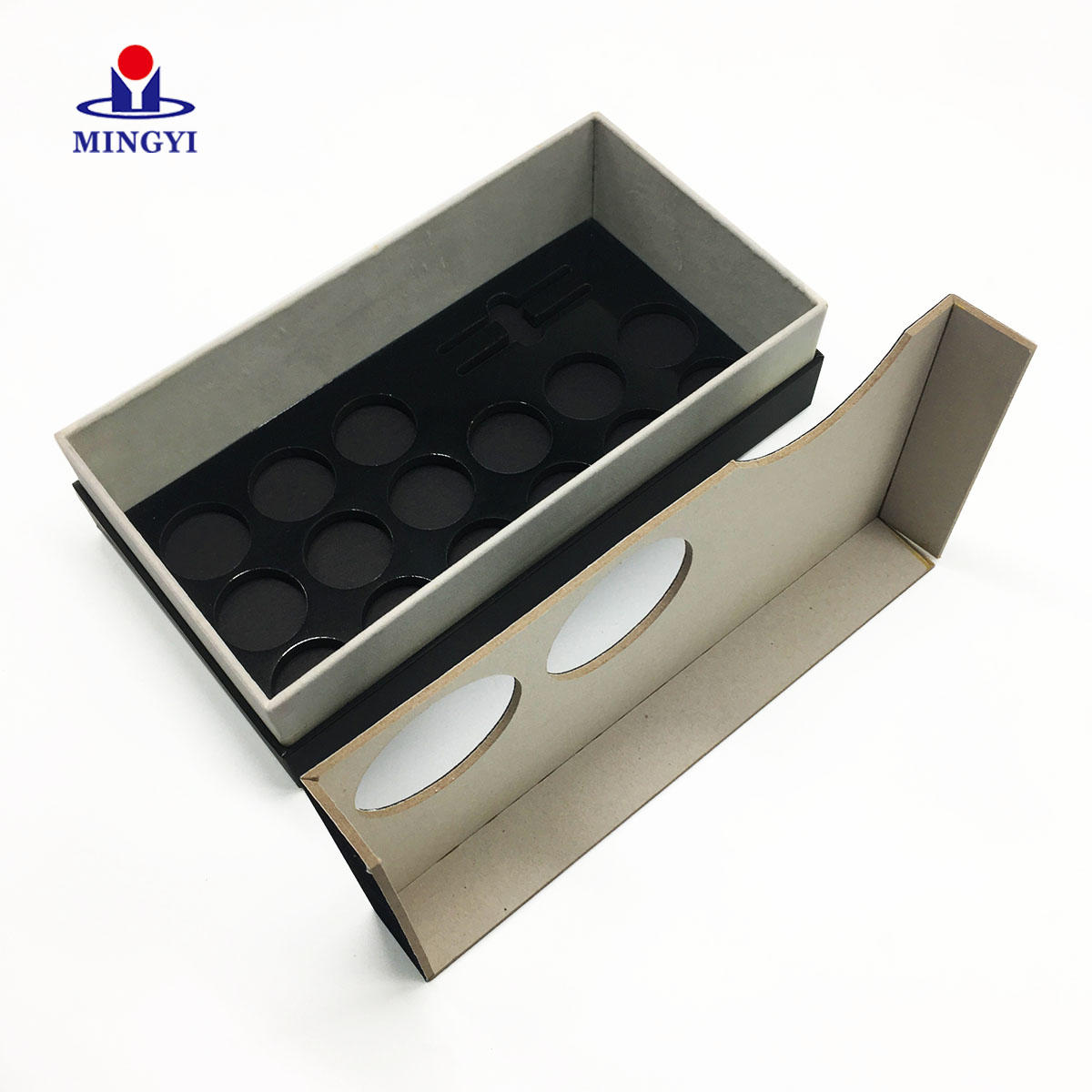 China supplier 2019 new design eyeshadow cosmetic packaging custom logo with lid